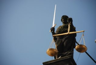 lady-justice-677945_960_720